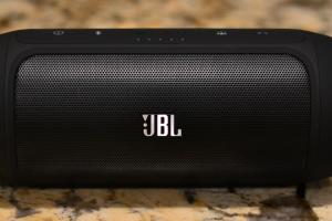 JBL-Charge-2-Hero