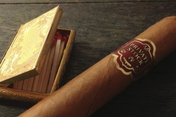 essentials guide to smoking cigars