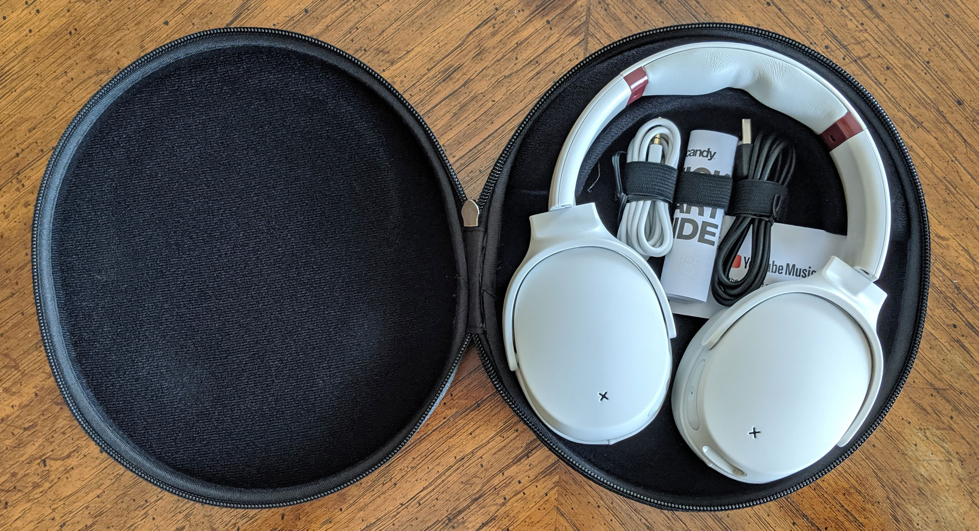 venue-skullcandy-headphones-case-accessories