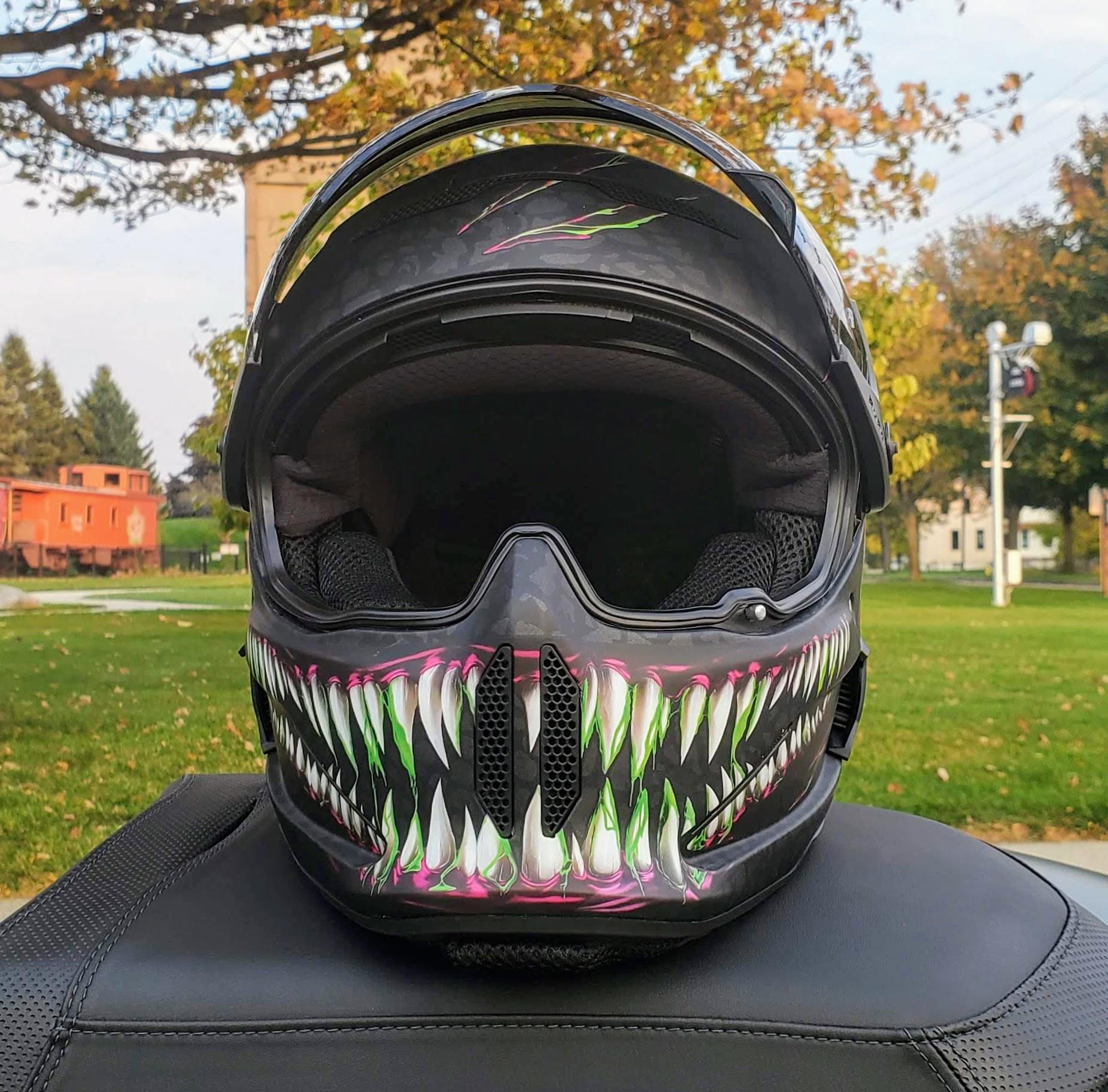 Ruroc Atlas 2.0 helmet visor front